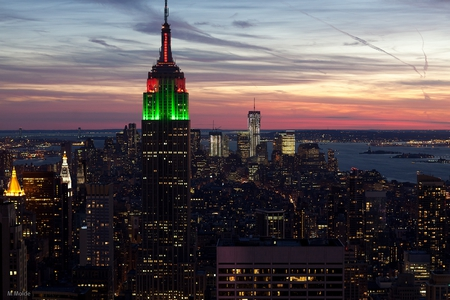 empire-state-building-at-night-christmas-wallpaper-1